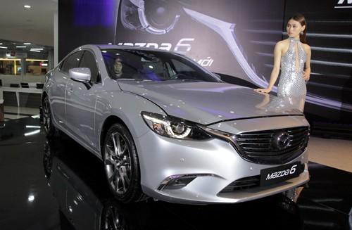 Mazda6 2017 giá từ 975 triệu - thêm khó khăn với Camry và Accord