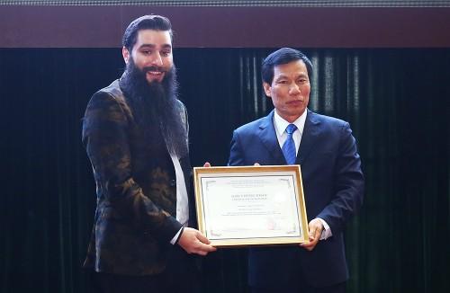 Đạo diễn phim 'Kong' vạch 2 phương án quảng bá du lịch Việt Nam