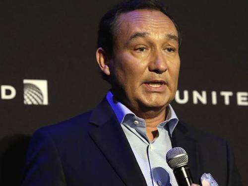 United Airlines sẽ không sa thải nhân viên sau chuyến bay bạo lực