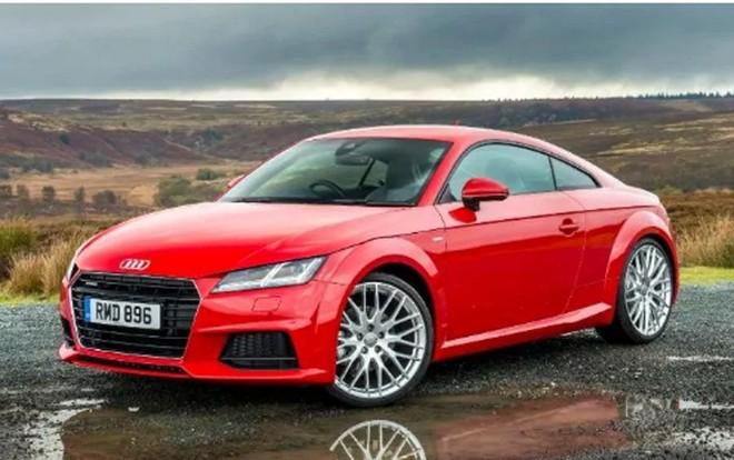 Thị trường ô tô chứng khiến giảm giá sốc, mạnh nhất 580 triệu đồng