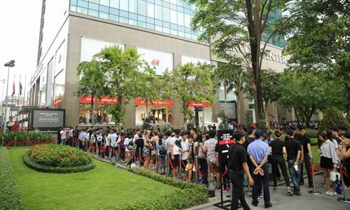 Cơn lốc 'thời trang nhanh' khuấy động thị trường Sài Gòn