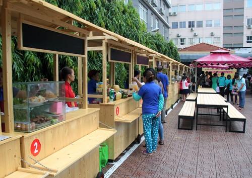 Phố hàng rong thứ hai ở Sài Gòn mở cửa