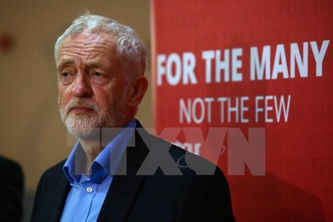 Công đảng đối lập Anh thúc đẩy tiến trình đàm phán Brexit