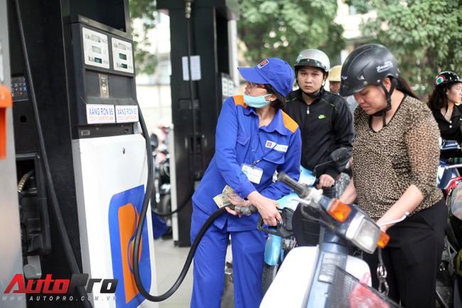 Giữ nguyên giá xăng dầu
