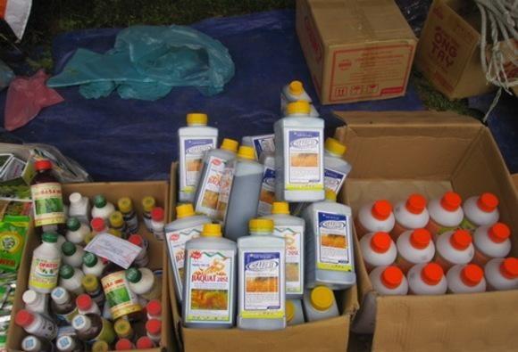 Mỗi ngày, Việt Nam chi hơn 20 tỷ đồng nhập thuốc trừ sâu Trung Quốc