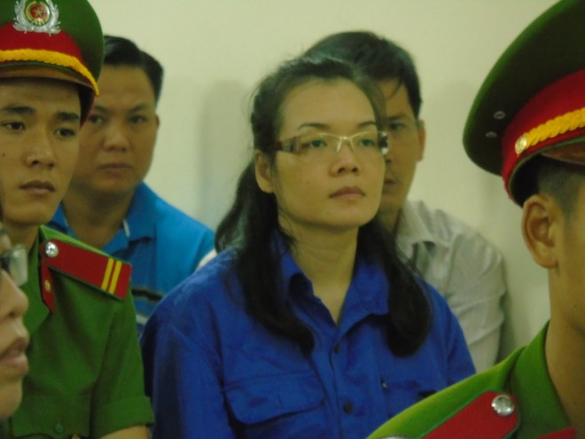 Siêu lừa Huyền Như xuất hiện tại phiên xử Huỳnh Thị Bảo Ngọc