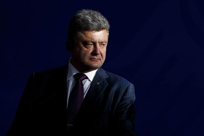 Tổng thống Ukraine đang tự khiến mình nghèo đi