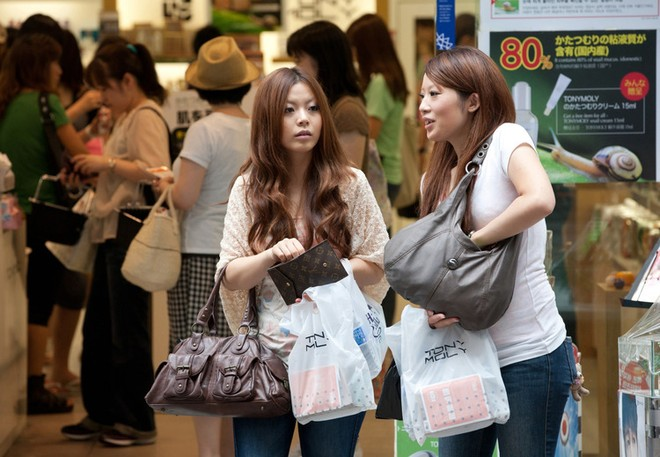 Thu hút khách du lịch, Hàn Quốc giảm thuế phẫu thuật thẩm mỹ