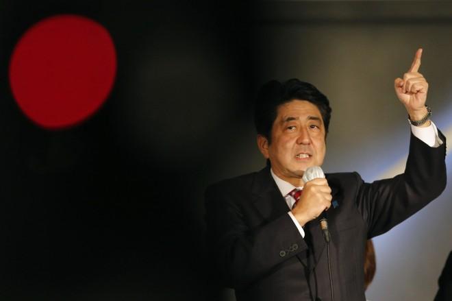 Kinh tế Nhật đang rơi vào suy thoái lần hai trong nhiệm kỳ của Thủ tướng Abe