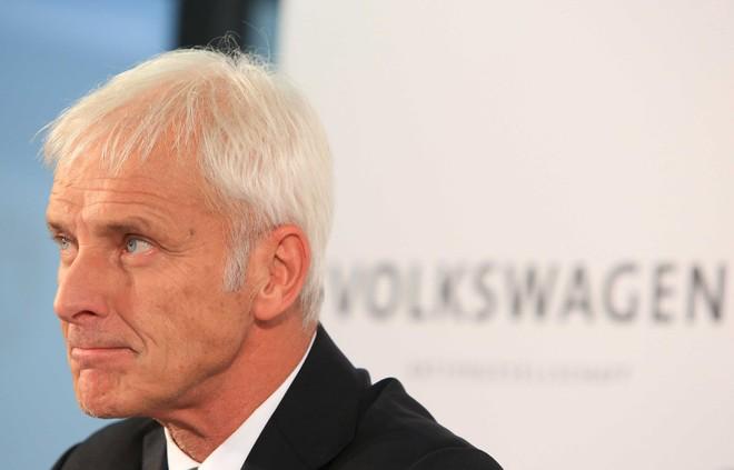 """Phát biểu """"đá xoáy"""" Tesla, CEO của Volkswagen đang """"ghen tị tiêu cực""""?"""