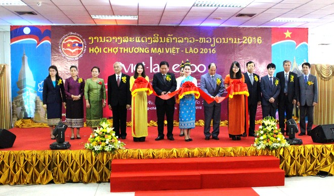 Nhiều doanh nghiệp Việt Nam ký kết hợp đồng thành công tại VIETLAO EXPO 2016