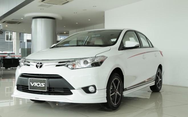 Chưa đến tháng ngâu thị trường ô tô đã ảm đạm, doanh số Toyota giảm gần 40%